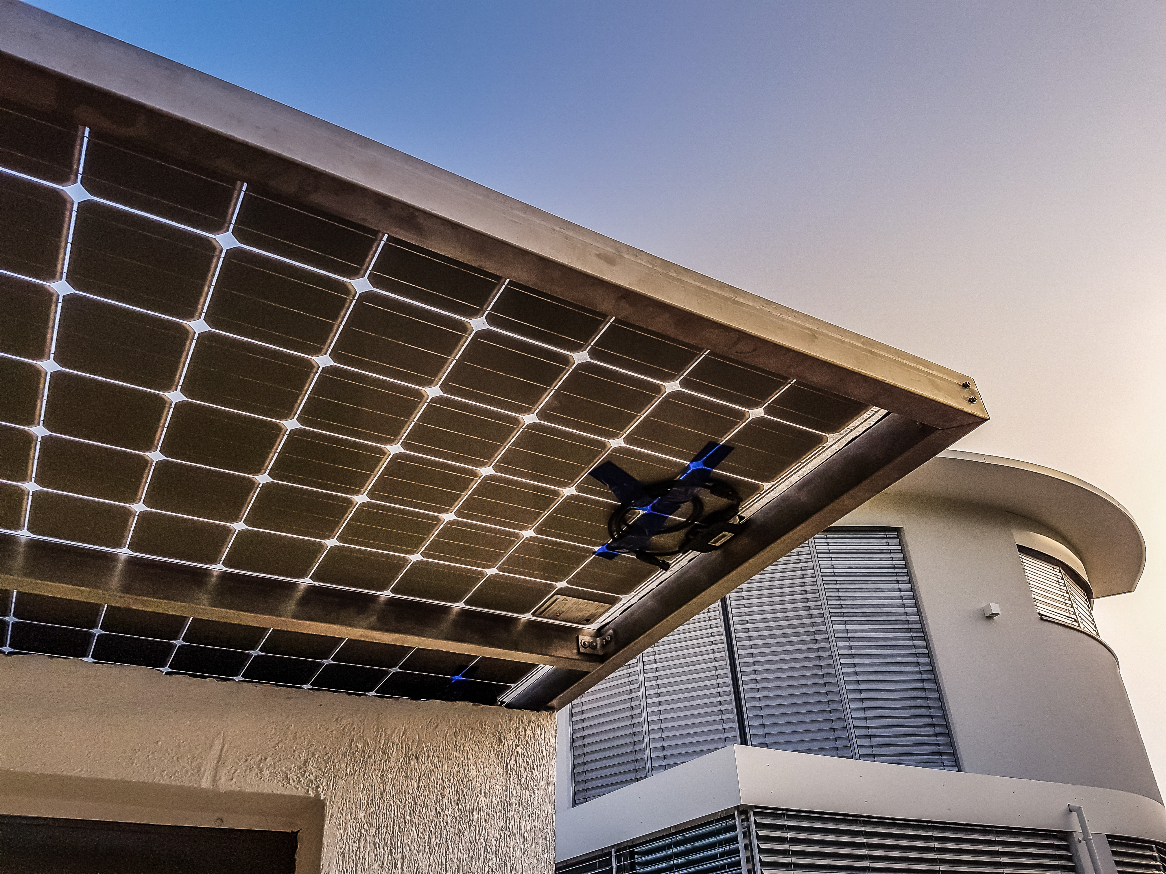 Solarmodule lassen sich in den modernen Hausbau perfekt integrieren