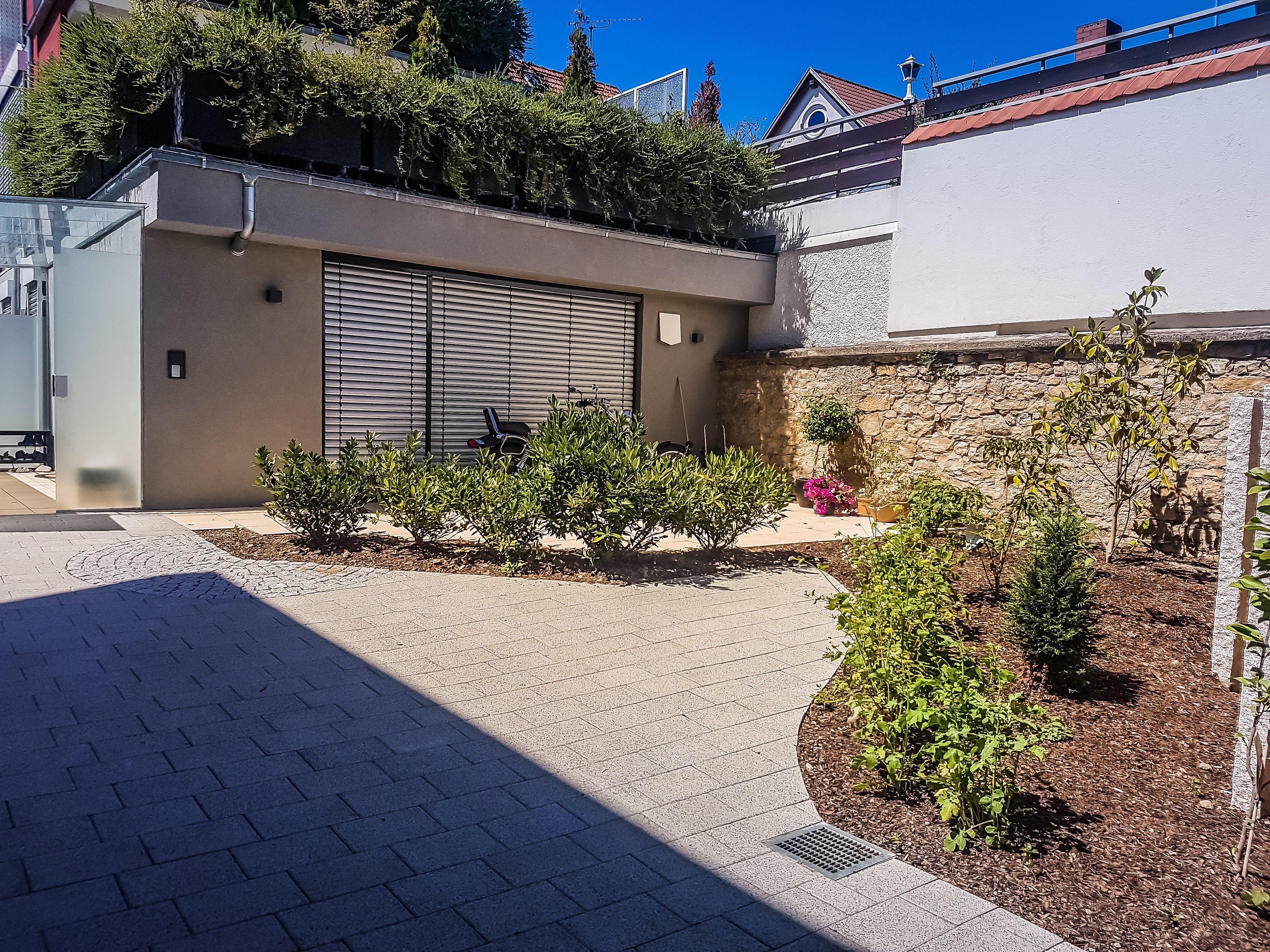 Eine Oase erschaffen – Garten zwischen Wänden