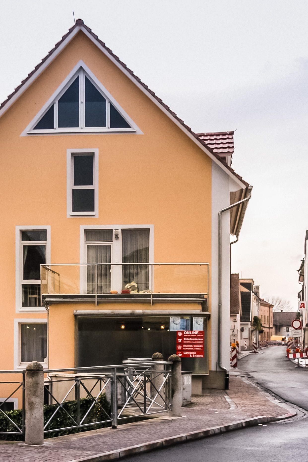 Umbau und Sanierung von Wohn- und Geschäftsflächen